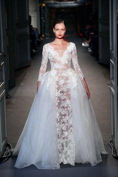 Pin for Later: Kommt ins Träumen mit den schönsten Kleidern der Haute Couture Modenschauen Lan Yu