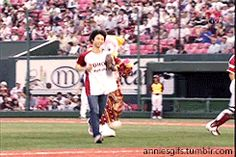 Yuzu being a baseball player.