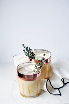 The Perfect Holiday Drink: Salted Caramel White Russians | lark & linen #whiterussian #cocktailrecipe #holidaycocktail