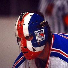 Goalie Mask - John Davidson NHL New York Rangers – Vintage Sports Items Hockey Helmet, Hockey Goalie, Football Helmets, Rangers Hockey, Ice Hockey Teams, Rangers Team, Magic Team, John Davidson, Canada Hockey