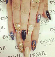 Pointy nails <3