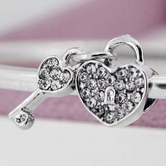 New Silver Plated Bead Charm Heart Lock & Key With Full Crystal Pendant Beads Fit Pandora Diy Bracelet & Bangle Jewelry YW15632