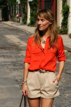 Monocle: The Go Chic or Go Home style and fashion inspiration board, featuring highlights of our invite-only community Members and tastemakers. Khaki Shorts Outfit, Summer Shorts Outfits, Blouse Outfit, Short Outfits, Orange Blouse, Orange Shirt, Red Blouses, Colourful Outfits, Spring Summer Fashion