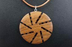 """Halskette """"Windrad"""" aus Nuss von ABgedreht Holzschmuck auf DaWanda.com"""
