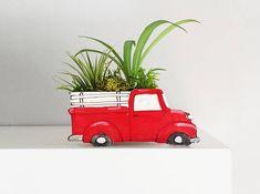 Old truck planter for cactus or succulent. Ceramic Houses, Ceramic Planters, Head Planters, Vintage Pickup Trucks, 4x4 Trucks, Diesel Trucks, Lifted Trucks, Ford Trucks, High School Ceramics