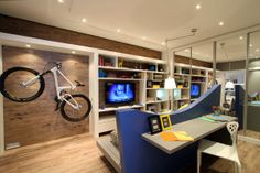 Bicycle in the decoration! - BE Decoration Bike Decor, Bike Storage Solutions, Vintage Sideboard, Bike Rack, Decorative Objects, Home Office, Sweet Home, Bicycle, Loft