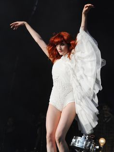 Florence Welch-- Florence + the Machine How Beautiful, Beautiful People, Florence Welch Style, Machine Photo, Florence The Machines, Le Jolie, Punk, Celebs, Celebrities