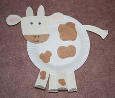 Cow craft....we'd have to use different colors to make Grandpa happy seeing as how he owns a limousin cow farm. :)