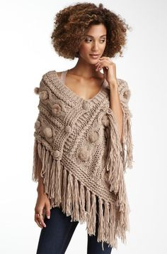 Wow love this poncho wish it would get cold here! Poncho Shawl, Knitted Poncho, Crochet Shawl, Crochet Stitches, Knit Crochet, Poncho Knitting Patterns, Knitting Wool, Knitting Designs, Hand Knitting