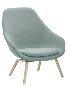 This is the About A Lounge Chair made by HAY. The high-backed version of About a Lounge Chair has a more formal expression, although the visual point of gravity appears to have shifted slightly. Types Of Furniture, Design Furniture, Modern Furniture, Hay Chair, Ideas Habitaciones, Office Chair Without Wheels, Piece A Vivre, Cool Chairs, Danish Design