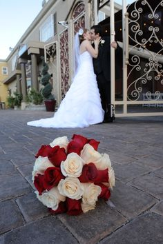 Chapel Of The Flowers Photo Ideas On Pinterest Glass Garden Las Vegas Weddings And Canopies