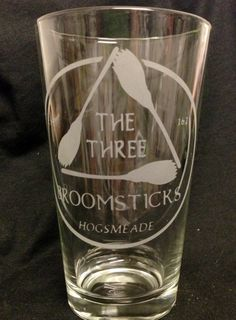 Harry Potter Inspired The Three Broomsticks Design Custom Etched Pint Glass Hogsmeade butterbeer rouse schwedhelm Gerst Harry Potter Gifts, Harry Potter Love, Harry Potter World, Mischief Managed, Geek Out, Hogwarts, Things I Want, Geek Stuff, My Love
