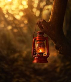 Old Lanterns, Retro Camping, Miniature Photography, Magical Images, Camping Lights, Image Hd, Still Life Photography, Oil Lamps, Inspiring Photography