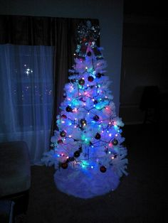Gallery for white christmas tree with blue lights - Pink and blue christmas tree ...