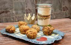 Dinkelbrötchen mit Mohn, Sesam, Haferflocken und Walnüssen als Backmischung im Glas
