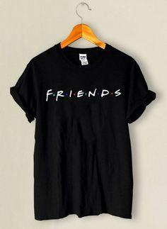Camiseta Friends – Entrega para todo o Brasil - Klamotten - Shirt Print Design, Tee Shirt Designs, Mom Shirts, Cool T Shirts, Friend Outfits, Cute Casual Outfits, Printed Shirts, Men Dress, Fashion Outfits