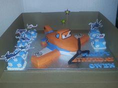 Dusty cake plus petit fours 2014