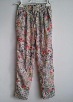 Kup mój przedmiot na #vintedpl http://www.vinted.pl/damska-odziez/spodnie-inne/9171866-wzorzystekwieciste-letnie-spodnie-zara