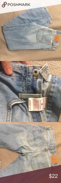 Lucky Boyfriend jean Like new (never worn!)  boyfriend style lucky jeans - tag reads 4 / 27 Lucky Brand Jeans Boyfriend