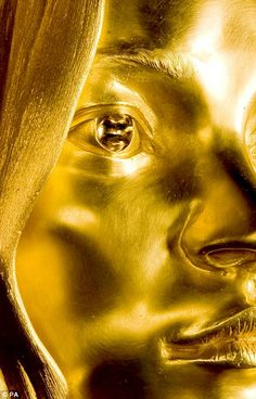 Esculpimos en oro, Undated handout photo of Siren by Marc Quinn, a 50kg solid gold sculpture of supermodel Kate Moss statue which will go on display as part of Statuephilia: Contemporary Sculptors at the British Museum, starting on October 4 until January 25, 2009