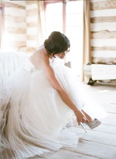 Bride getting ready is a clean, bright, clutter-free space.  A photographer's dream! ;)