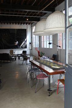 loft et l'atelier parisien de Dominique Picquier, créatrice de tissus.