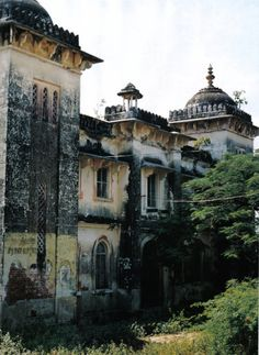 Abandoned in India. This photo is part of a Vogue Nippon photo spread by Tim Walker.