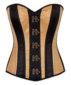 Sex bomb amateur milf in black corset