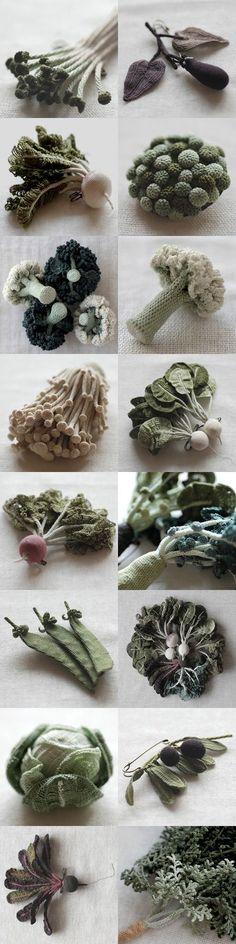 Jung jung est japonaise et crée ces magnifiques légumes et végétaux en crochet. Cette technique très fine colle parfaitement aux petits détails des fleurs & feuilles. C'est une très bonne…