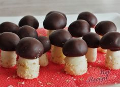 kardinalschnitte rezept nepeen dobroty s tvarohu - Hada Googlom Czech Recipes, Best Christmas Cookies, Cheese Bites, Yummy Treats, Cookie Recipes, Sweet Tooth, Cheesecake, Food And Drink, Pudding