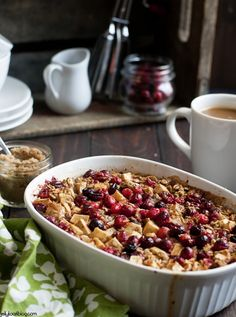 Doesn't that look like a beautiful breakfast? That alone is enough to make this Cranberry Apple Cinnamon Baked Oatmeal. But even better, it tastes great, too. This baked oatmeal recipe is simple to make and reheats well. Apple Cinnamon Oatmeal, Baked Oatmeal, Cinnamon Apples, Brunch Recipes, Breakfast Recipes, Breakfast Casserole, Casserole Recipes, The Best, Cooking Recipes