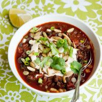 vegan kale and black bean chili