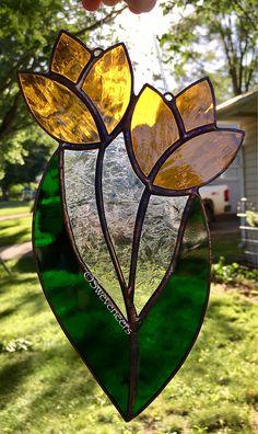 Sweveneers Yellow Flower Stained Glass Sun Catcher