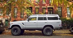 THE STREET PEEP: 1985 Toyota Landcruiser Toyota Lc, Toyota Fj40, Toyota Trucks, Fj Cruiser, Toyota Land Cruiser, Off Road Camping, Car Colors, Truck Camper, New Trucks