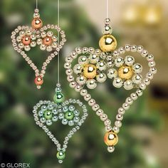 Beaded Christmas Ornaments, Christmas Crafts, Christmas Decorations, Diy Ornaments, Felt Christmas, Homemade Christmas, Beaded Crafts, Jewelry Crafts, Heart Patterns