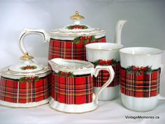 Christmas on Tartan Road Tartan Christmas, Christmas China, Christmas Dishes, Christmas Tea, Scottish Plaid, Scottish Tartans, Scottish Decor, Tartan Plaid, Mugs