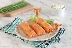 Involtini di salmone e philadelphia, versione antipasto e finger food