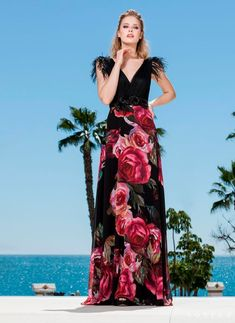 9529a0fe9 Vestido largo top negro con plumas de Sonia Peña - Comprar Online Colección  2019  blissonline