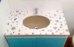 Mosaico na pia do banheiro