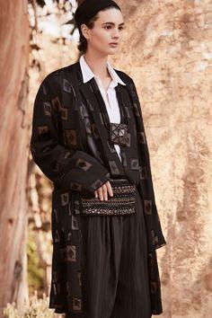 06144cbeb404d Urban Zen Spring 2018 Ready-to-Wear Fashion Show. Хип Хоп МодаМодные ...
