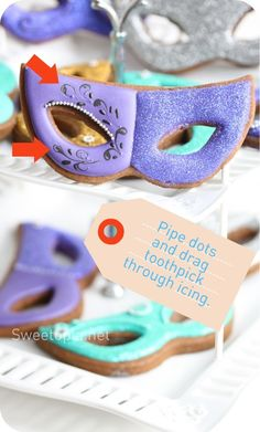 How to Decorate Mardi Gras Mask Cookies