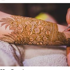 We have many mehndi designs but our demand always bring new mehndi designs for us. Let's Talk About How To Search For Best Mehndi Artist In Delhi. Latest Bridal Mehndi Designs, Mehndi Designs 2018, Modern Mehndi Designs, Mehndi Designs For Girls, Mehndi Design Pictures, Mehndi Designs For Fingers, Dulhan Mehndi Designs, Mehndi Images, Design Of Mehndi