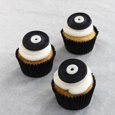 Cupcakes de vinilos, idóneos para una fiesta rock! / LP cupcakes, ideal for a rock party!