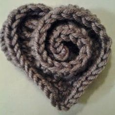 Free Pattern: Rose-Style Heart