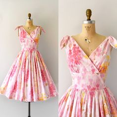 SOLD  Vintage 50s/60s sundress, beautiful pink floral cotton blend, cross-over shelf bust, wide v-neck, fitted waist, very full skirt,…
