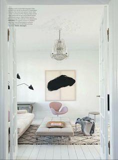 Pink Arne Jacobson swan chair in crisp, clean white living room space / Vogue living australia Vogue Living, Living Room Inspiration, Interior Design Inspiration, Design Ideas, Color Inspiration, Home Living Room, Living Spaces, Kitchen Living, Danish Living Room