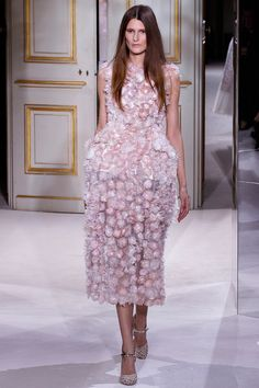 Giambattista Valli Spring 2013 Couture - Review - Fashion Week - Runway, Fashion Shows and Collections - Vogue