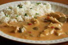Kuřecí omáčka s okurkami No Salt Recipes, Keto Recipes, Chicken Recipes, Cooking Recipes, Healthy Recipes, Slovak Recipes, Czech Recipes, Ethnic Recipes, Slovakian Food