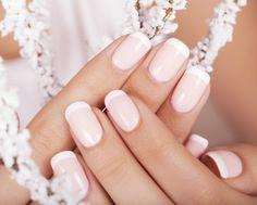 Unha de noiva em gel: delicadeza e elegância