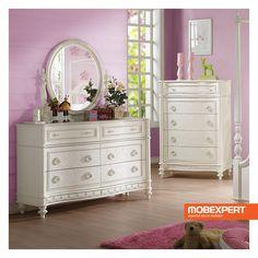 Asemeni adulților, cei mici au nevoie de un spațiu generos pentru a își putea depozita lucrurile de care au nevoie. Comoda Dorothy îndeplinește cu succes acest rol și, în plus, contribuie la crearea unui decor deosebit în cadrul dormitorului fetiței voastre. Dresser, Furniture, Home Decor, Powder Room, Decoration Home, Room Decor, Stained Dresser, Home Furnishings, Home Interior Design